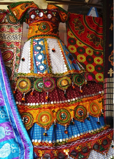 Colours&CraftsofIndia15b